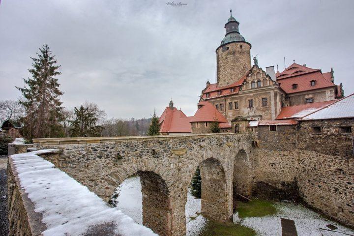 Zamek Czocha widok z przed fosy.
