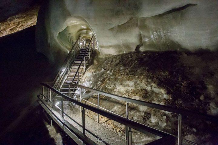 Doboszyńska Jaskinia Lodowa Zwiedzana Latem