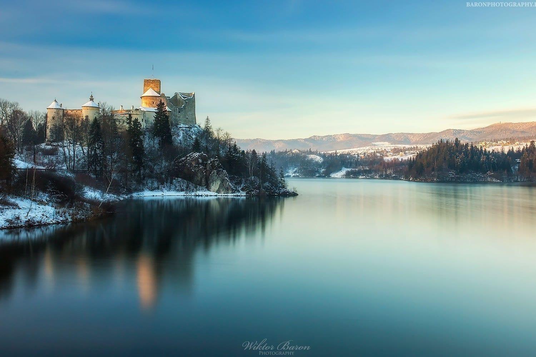 Widok z zapory na Zamek w Niedzicy