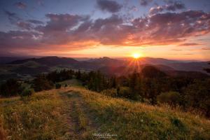 Zachód słońca na Wysokim Wierchu w Pieninach