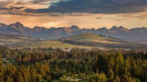 Widok na Tatry z Przełomu Białki w Pieninach Spiskich
