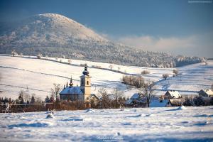Lackowa oraz cerkiew w Izbach