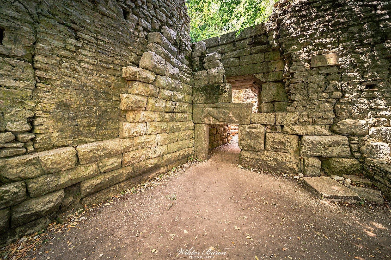 Brama wjazdowa do ruin miasta