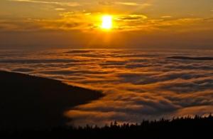 Zachód słońca widziany ze Szrenicy