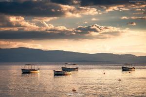 Łódki nad Jeziorem Ochrydzkim