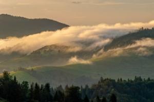 Mgły w Paśmie Radziejowej