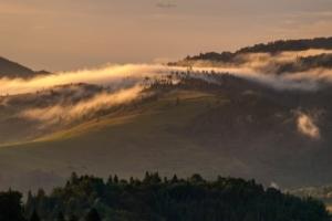 Mgły w Beskidzie Sądeckim